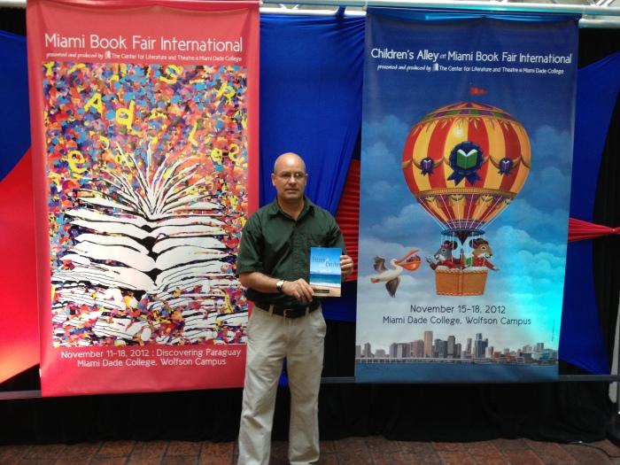 "Leonardo Rodríguez, autor de ""Escape al Caribe"""