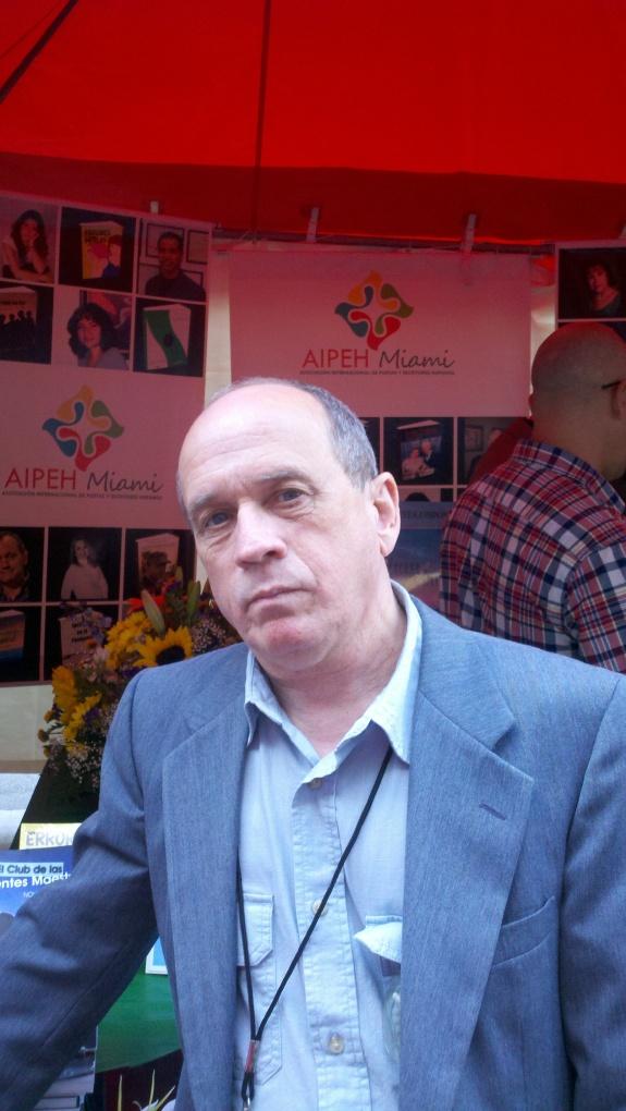 """El escritor Ezequiel Cuello, autor del libro """"El Club de las mentes maestras"""""""