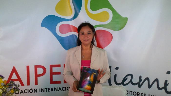 La poeta Azucena Ordoñez