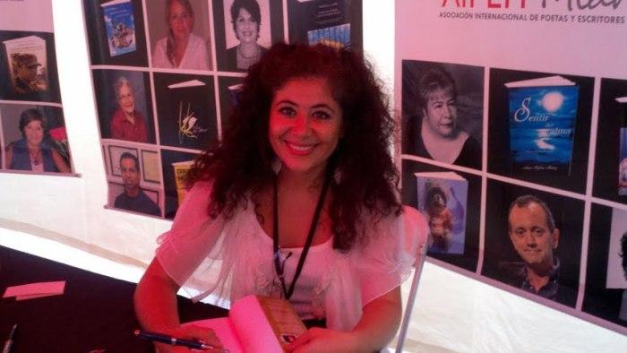 Pilar Velez, co-autora Pax de Deux - Relatos Poemas en escena (2)