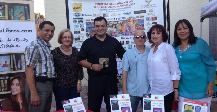 AIPEH Miami en los Viernes culturales de la calle 8 1