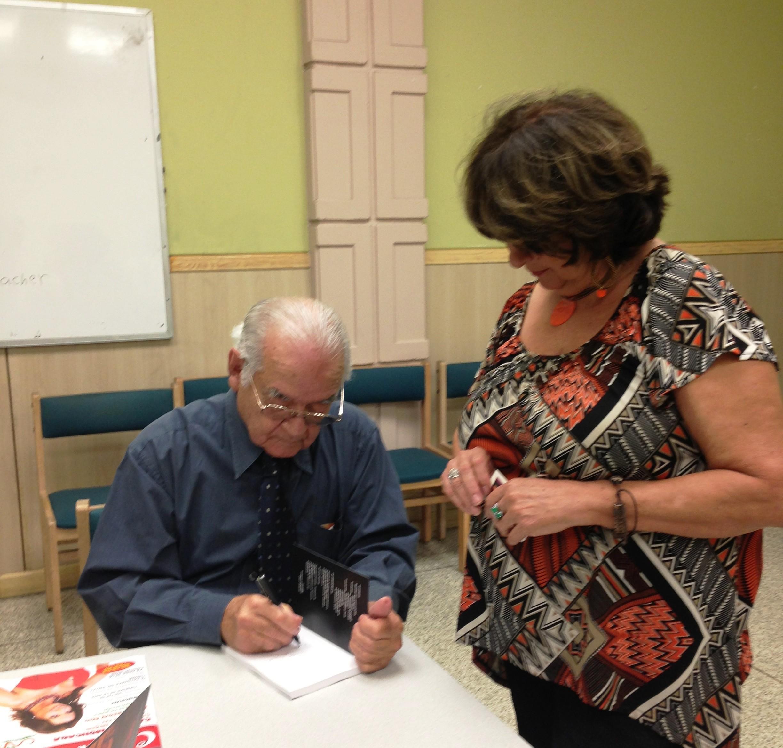 DR, ALARCON DURANTE SU PRESENTACION EN LA JFK LIBRARY, HIALEAH, FL