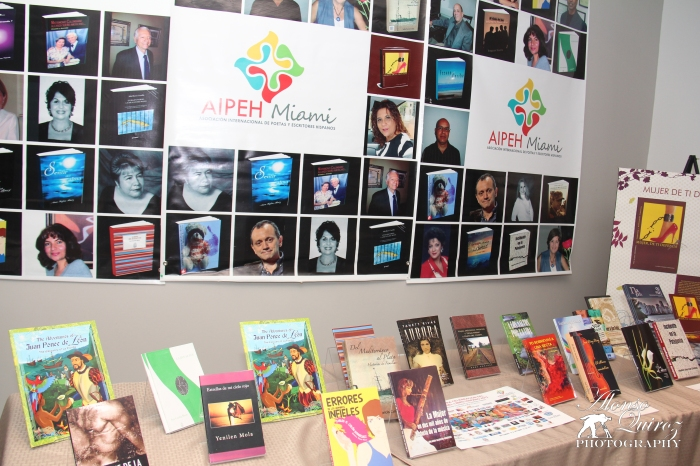 Exhibición de Libros - Autores Hispanos